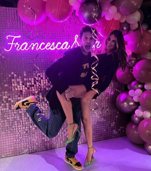 Francesca Sofia Novello festa di compleanno incinta e festeggia con tanti amici