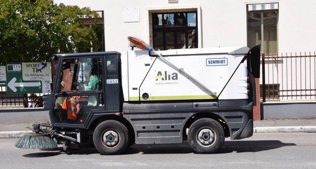 Firenze, perquisita la società di raccolta rifiuti: sei indagati. Le magliette gialle di Renzi vanno a Roma, senza accorgersi che la monnezza ce l'hanno a casa loro!