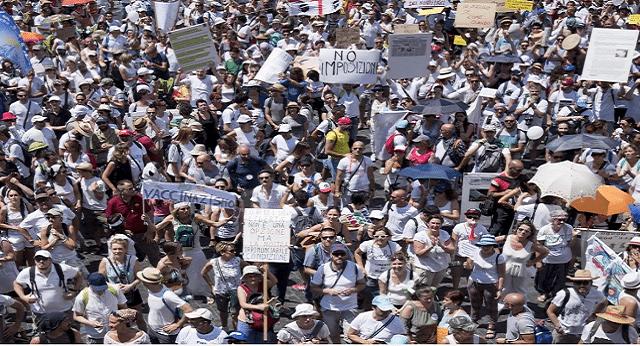 """Roma: CENSURATA da tutti i TG la Manifestazione contro l'obbligo dei vaccini. In 10.000 in piazza al grido di """"Libertà""""...ma nessuno lo deve sapere!"""