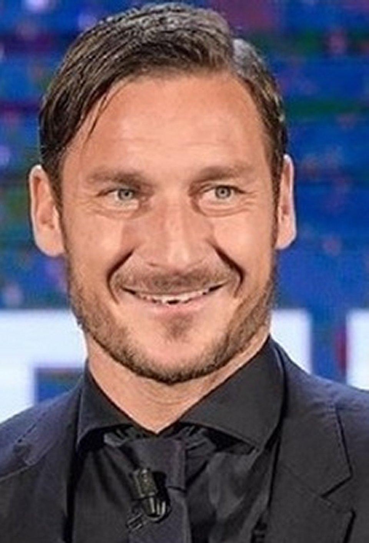 Francesco Totti dice troverò il nuovo numero 10
