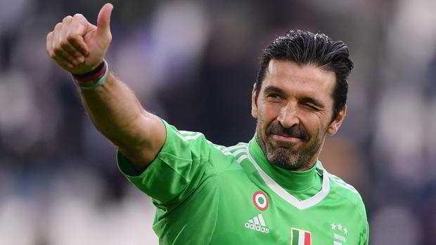 Buffon lascia la Juventus:
