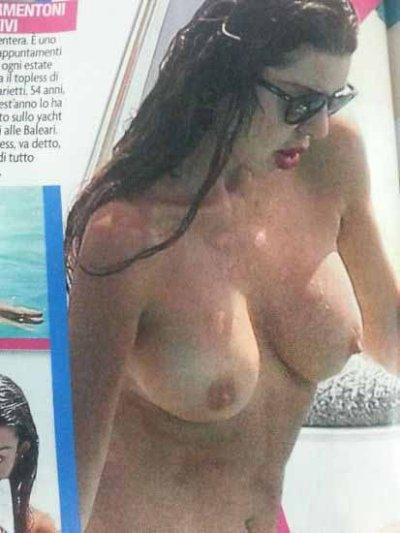 Alba Parietti topless da urlo a Formentera