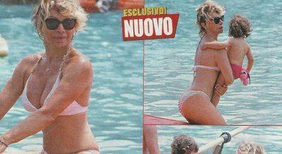 Carmen Russo seno prosperoso in bikini al mare