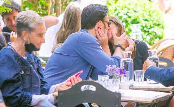Maria Elena Boschi e il fidanzato Giulio Berruti, baci d'amore e…