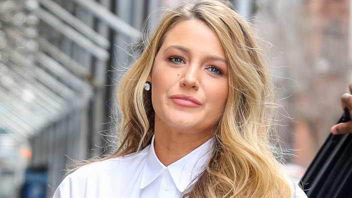 Blake Lively furiosa per tutelare i figli: l'attacco a paparazzi e profili social