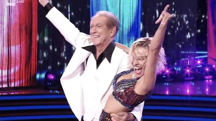 Ballando con le Stelle: dopo Mietta anche Memo Remigi finisce in quarantena