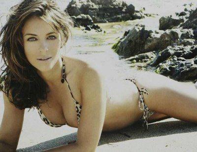 Liz Hurley pose provocanti in bikini