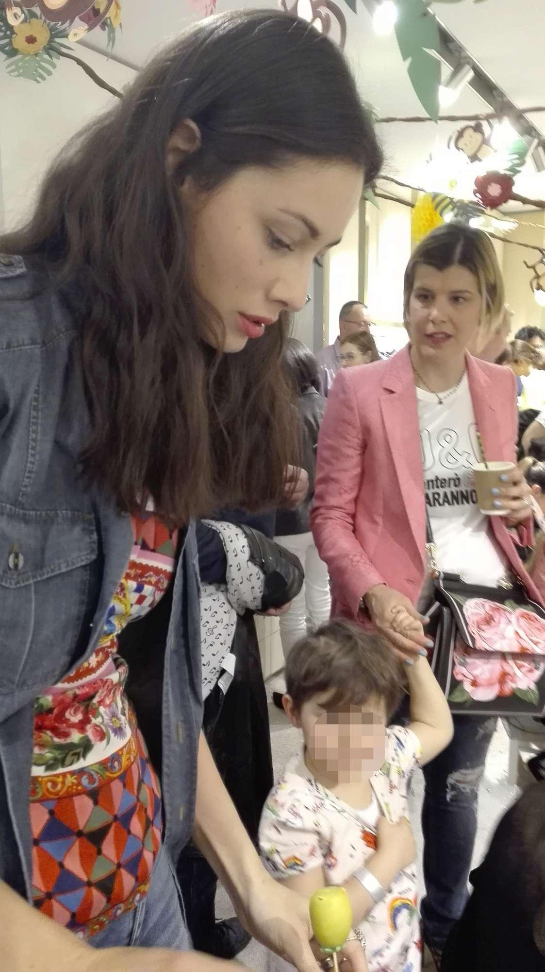 Pellegrinelli, Balivo, Fontana: party time con i figli a Milano