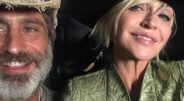 """Paola Barale definitiva: """"Nessun ritorno di fiamma con Raz, lui va troppo veloce per me"""""""