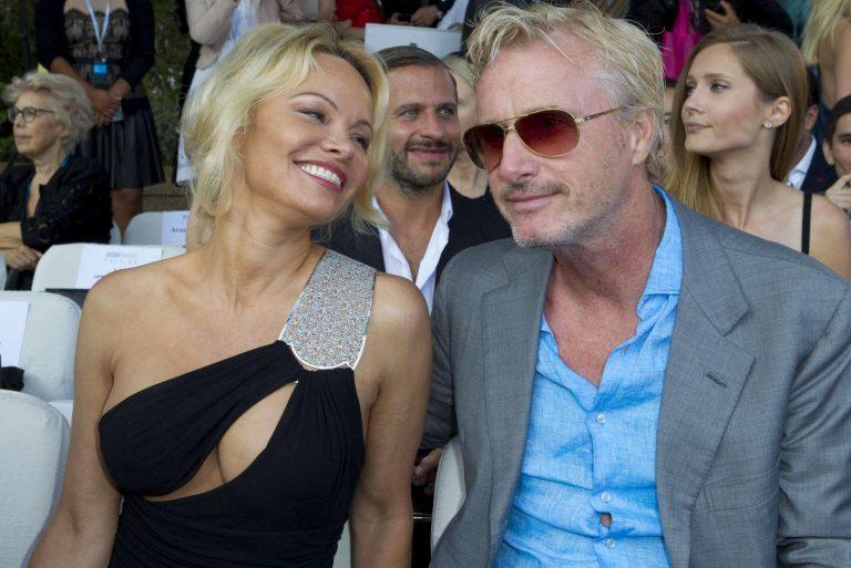 Pamela Anderson incontenibile è lei la regina della Costa Azzurra