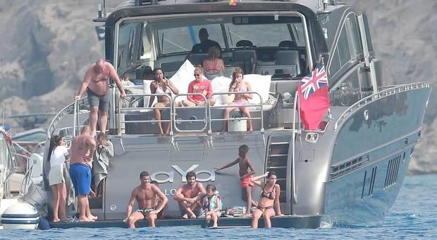Lo yacht di Ronaldo abbordato dalla polizia tributaria