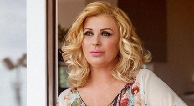 Tina Cipollari ha un nuovo fidanzato: «Passeggiano a Firenze mano nella mano». Ecco lui chi è