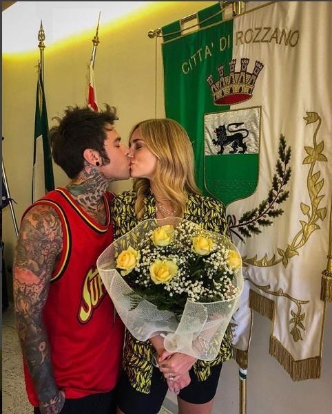 Fedez e Chiara Ferragni, ecco le pubblicazioni di nozze: «Tutto pronto per il matrimonio»