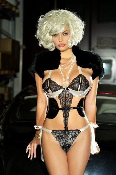 Natalia Bush super sexy per Lory Del Santo