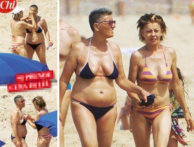 Eva Grimaldi al mare con l'amica Imma curve al top in bikini