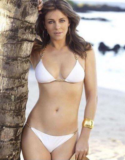 Liz Hurley curve sexy in bikini a 51 anni