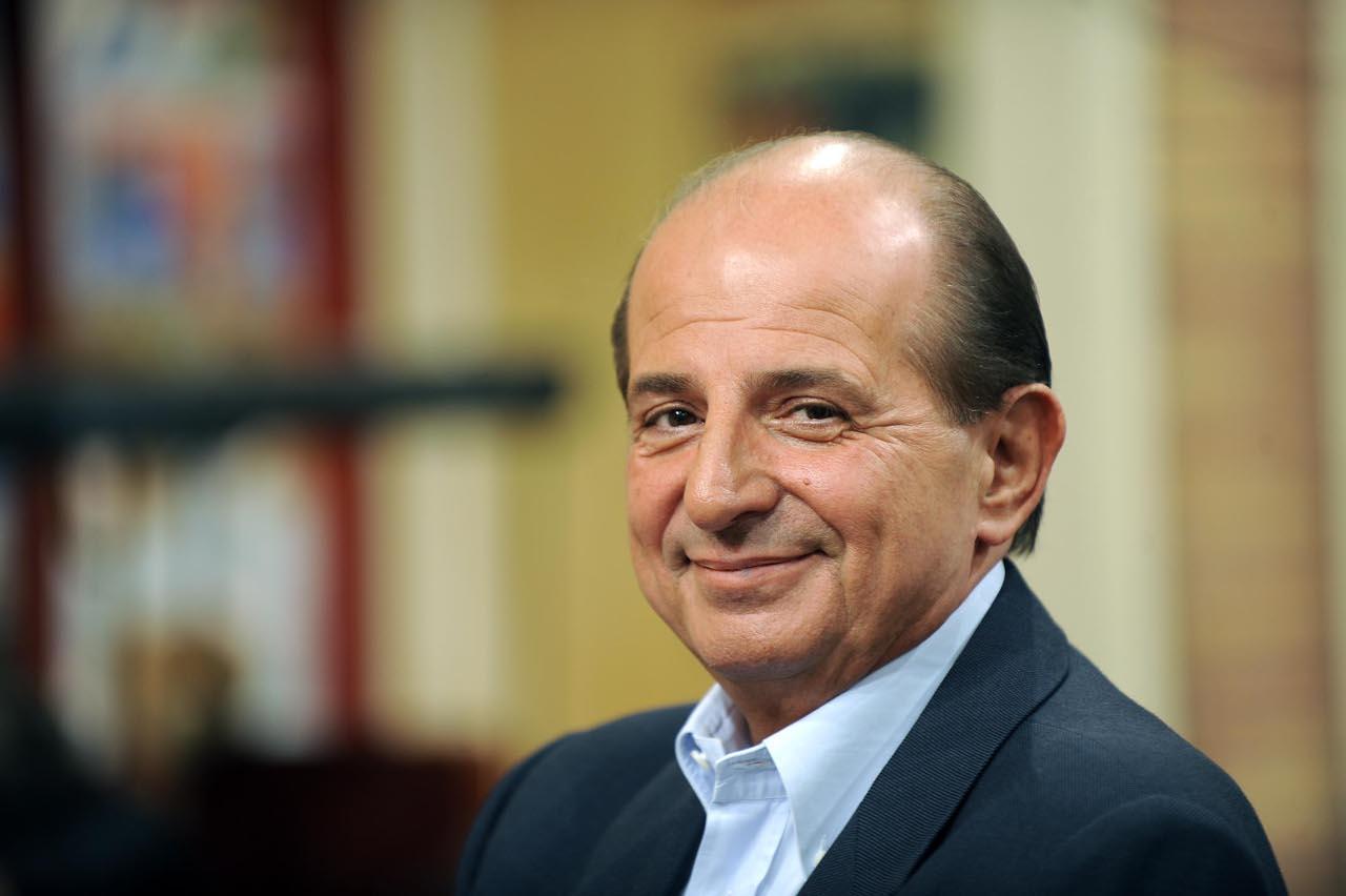 """Giancarlo Magalli, nuovo scontro con Adriana Volpe: """"Parla a vanvera..."""". Ecco cosa è successo"""