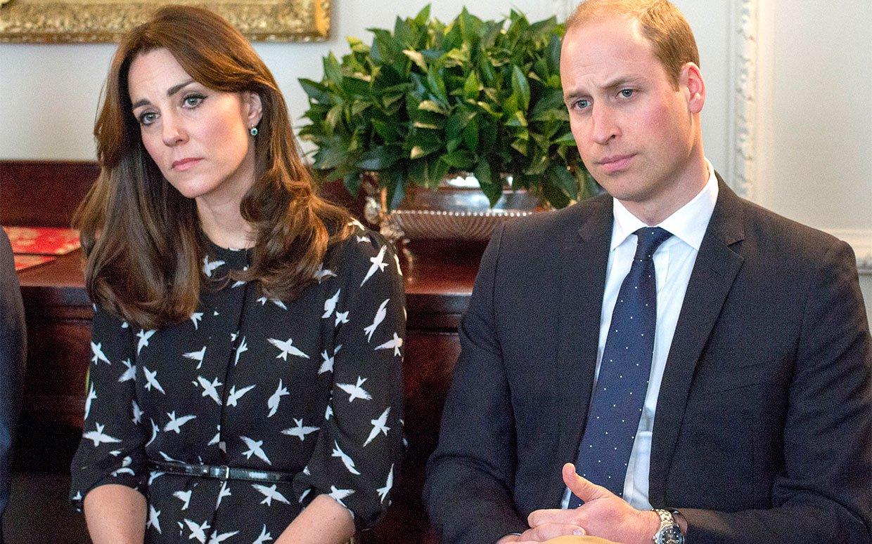 Principe William, imbarazzo a corte: la gaffe sulla gravidanza di Kate...
