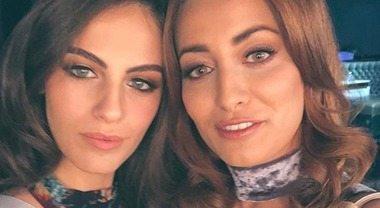 «Pace e amore»: ma il selfie tra Miss Israele e Miss Iraq scatena le polemiche