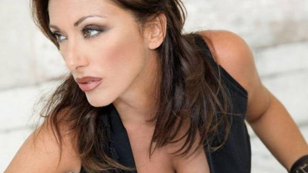 Sabrina Salerno, show e film in Francia: eccola icona sexy a 49 anni