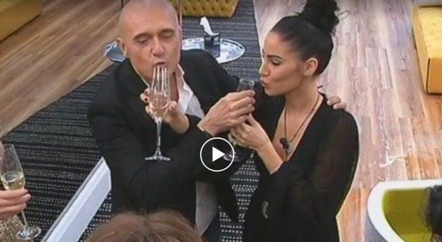 Giulia De Lellis, la provocazione di Signorini: «Adesso beve dal mio bicchiere», ecco cosa è successo