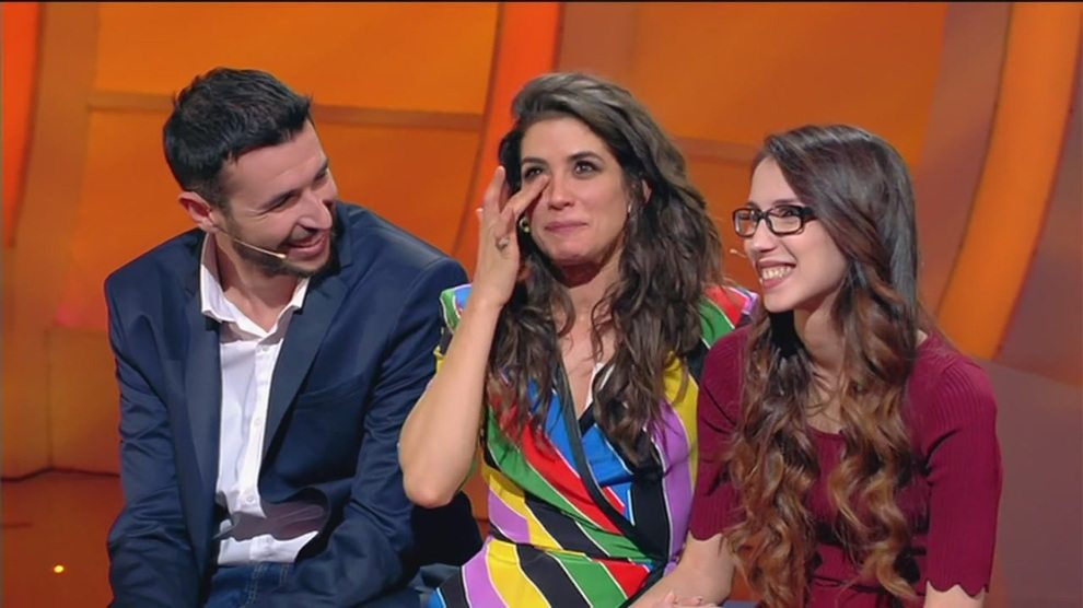 Giulia Michelini in lacrime a C'è Posta per Te, la storia di Giuseppe, dei suoi figli e della moglie morta di cancro
