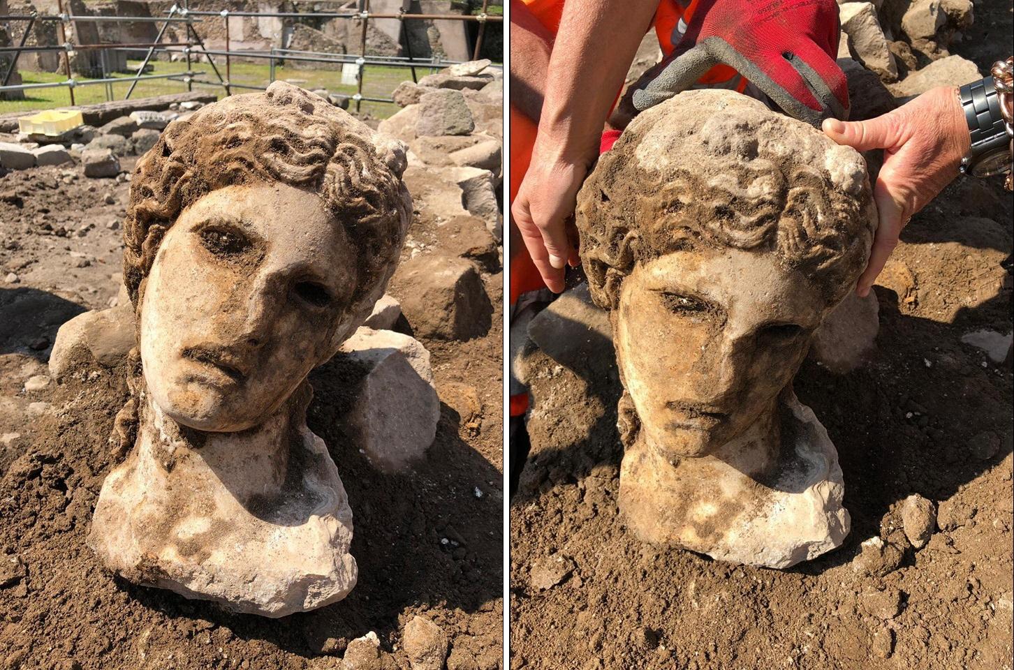Roma, ritrovata testa di una divinità durante gli scavi, Raggi: «È una meraviglia»