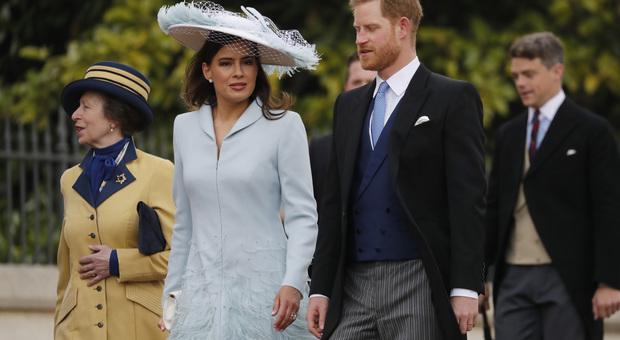 Meghan Markle a casa con baby Sussex, Harry al matrimonio con un'altra: ecco chi è