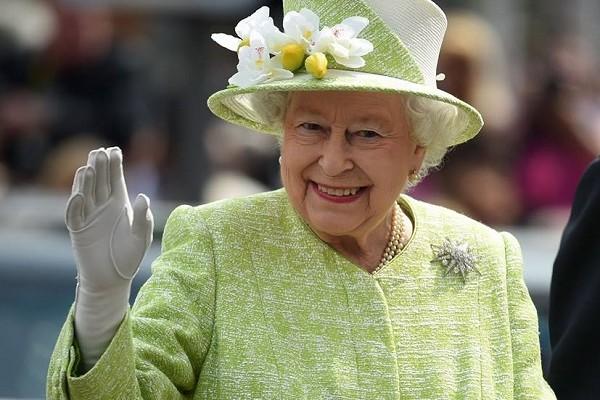 Regina Elisabetta, incubo topi a Buckingham Palace: scatta la task force