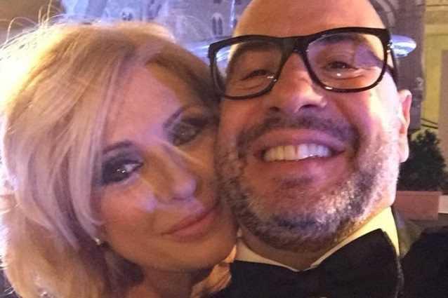 Tina Cipollari, super party per il compleanno di Vincenzo Ferrara: «Per festeggiare i 50 anni del mio amore...»