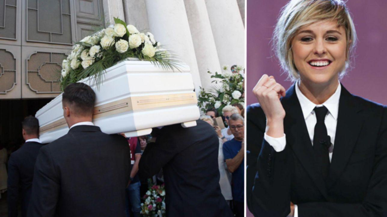 L'ultimo saluto a Nadia Toffa: folla ai funerali