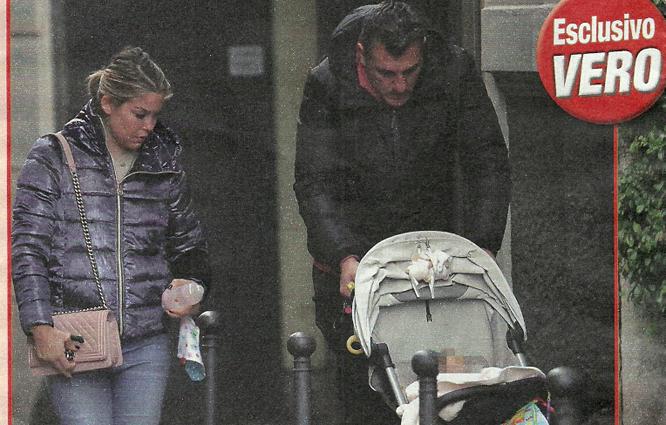 Christian Vieri e Costanza Caracciolo col pancino, passeggiata con Stella in attesa della cicogna