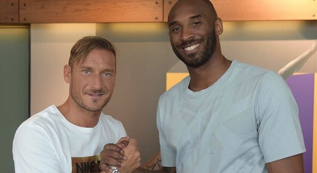 Kobe Bryant morto, da Totti alla Pellegrini, da Jordan a Maradona: lo sport piange la leggenda Nba