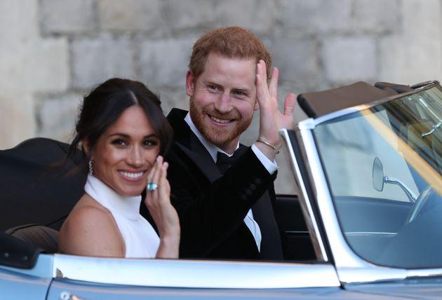 Meghan e Harry non sono più Altezze Reali: «Devono restituire 2,4 milioni di sterline». Ecco come si chiameranno