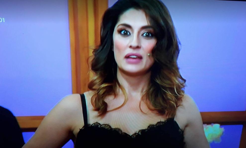 Ballando con le Stelle, Elisa Isoardi si esibisce da sola senza Raimondo Todaro. Poi la sorpresa