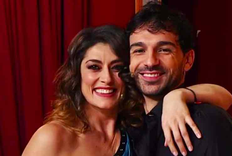 Ballando, Raimondo Todaro: «In finale col piede rotto». Elisa Isoardi in lacrime: «Nonna non sta bene...»