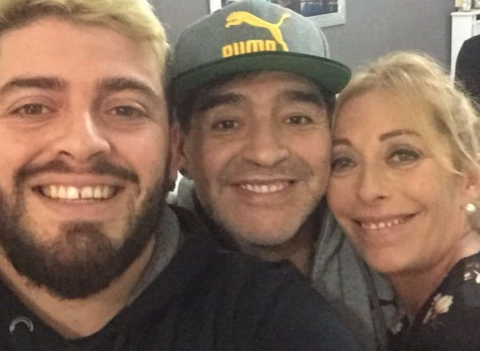 Maradona, l'ex compagna a Pomeriggio 5: «L'operazione? Si era ripreso ma...». Barbara D'Urso commossa
