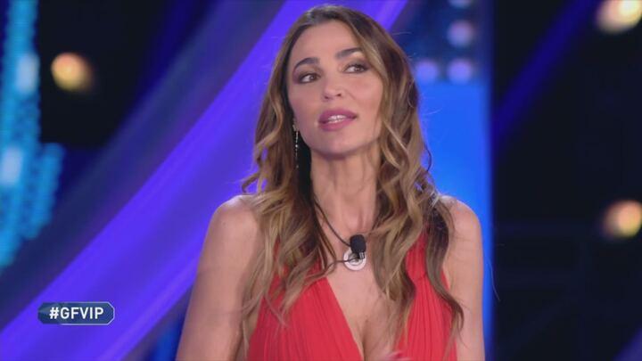 Gf Vip. Cecilia Capriotti choc, lite furiosa con la colf di Tommaso Zorzi: minacce e insulti. Fan furiosi: «Vergognati»