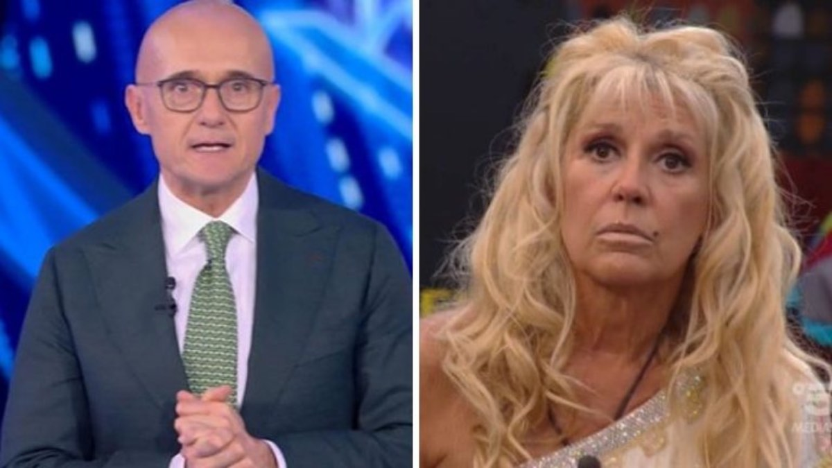 Signorini imita la crisi di Maria Teresa Ruta in diretta al Grande Fratello Vip «Ha perso la brocca», social furiosi