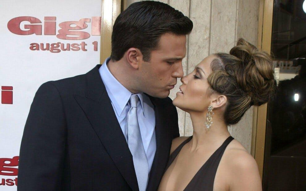 Jennifer Lopez e Ben Affleck sono tornati insieme, la foto del bacio appassionato che tutti i fan aspettavano