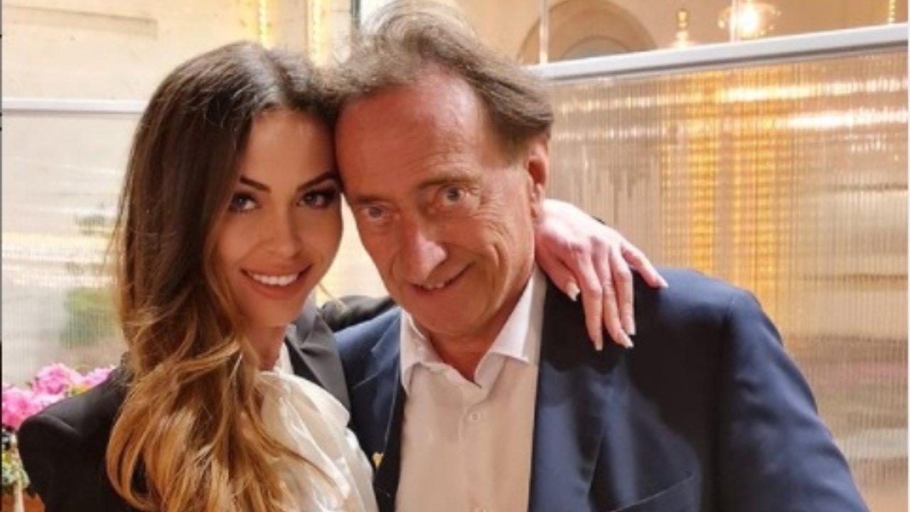 Amedeo Goria e la fidanzata Vera Miales 31 anni più giovane: «Sesso 5 volte in un giorno, ma non posso essere fedele»