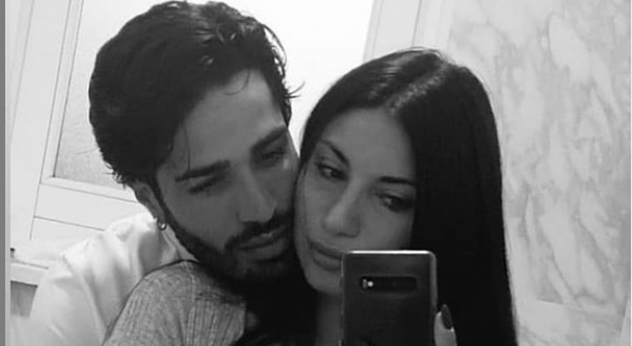 Temptation Island 2021: primo selfie di coppia per Manuela e Luciano