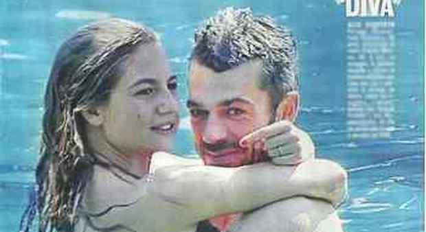 Luca Argentero e la moglie Cristina scelgono il Salento per trascorrere le vacanze: colazione con pasticciotto