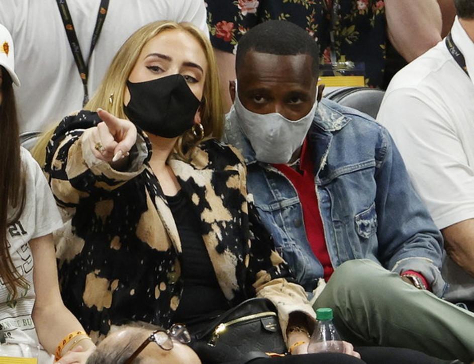 Adele ufficializza la storia d'amore con Rich Paul