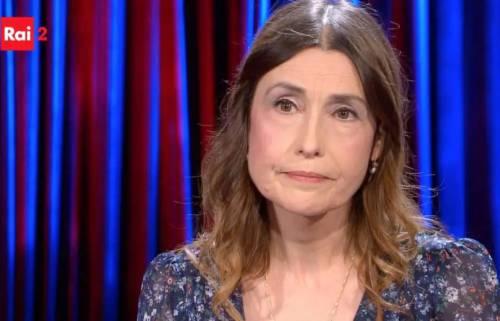 Claudia Koll da Pierluigi Diaco: «Il Diavolo mi ha stritolata. Presi il crocifisso e lo strinsi, come ne L'Esorcista»