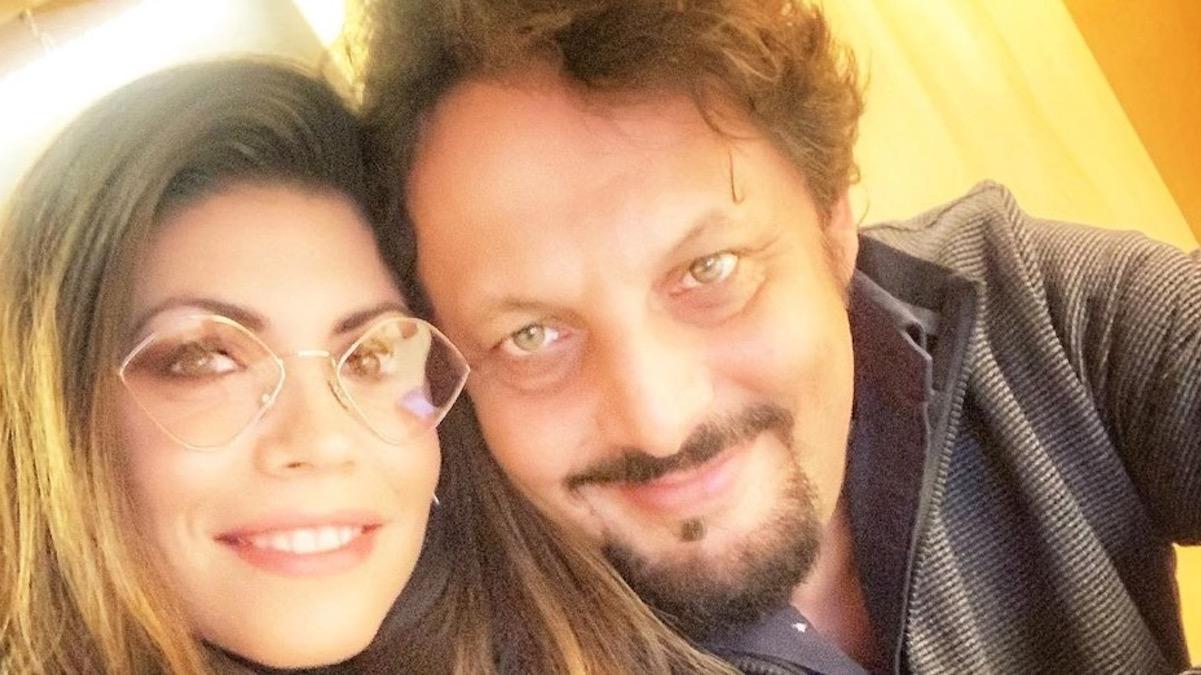 Flora Canto ed Enrico Brignano verso le nozze: lui le ha regalato l'anello durante il suo show