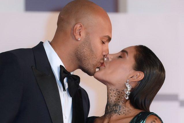 Marcell Jacobs si sposa, l'annuncio social. Chiede la mano di Nicole Daza: «Ha detto si!»
