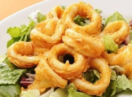 Calamari fritti dorati e croccanti