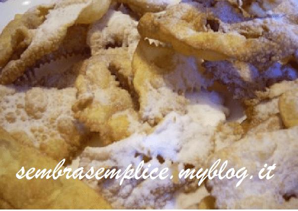 Chiacchiere (Frappe) di carnevale al forno...friabili, buone e light!