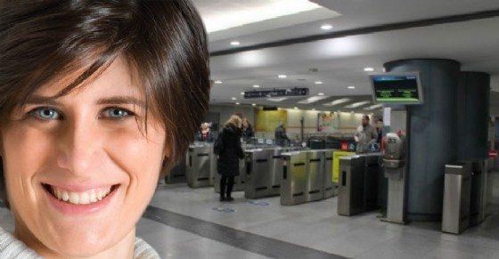 Malore in metropolitana, Chiara Appendino passa per caso e da una mano per 40 minuti